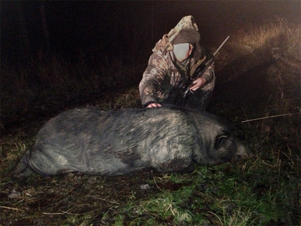 Stoney Grayson with his 350 lb Wild Boar